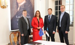 From a left: Mr. Roger Havenith, Deputy Chief Executive of EIF, Ms. Liisa Oviir, Minister of Entrepreneurship, Mr. Lehar Ktt, CEO of KredEx, and Mr. Hannes Rumm, Head of European Commission Representation in Estonia. Photo credit: Estonian Ministry of Economic Affairs and Communication